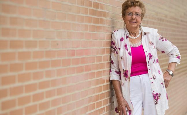 Edita Reguera, presidenta de La Sidrina, Mujer Sierense del año