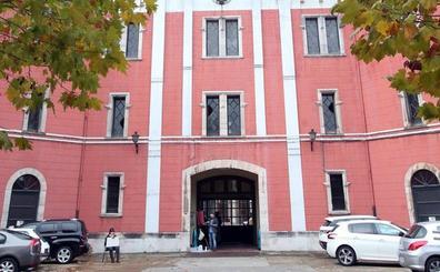 Defensa remite el protocolo para la cesión del claustro y la capilla de la fábrica de La Vega