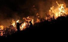 Asturias está en riesgo extremo de incendios, con cinco fuegos activos