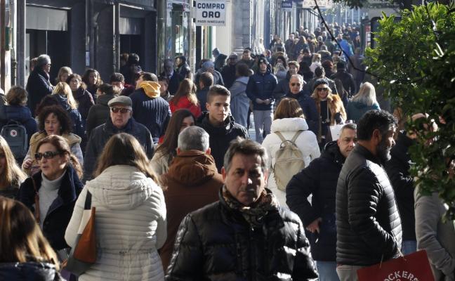 Los vecinos del centro casi duplican, con 34.123 euros al año, los ingresos de los de Ventanielles