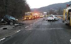 Dos fallecidos en una brutal colisión en Lena provocada por un kamikaze
