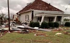 Una oleada de violentos tornados deja al menos 23 muertos en Alabama