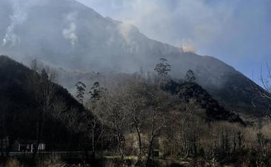 Incendios en Asturias | Fiscalía y Guardia Civil vinculan los fuegos a la quema de pastos