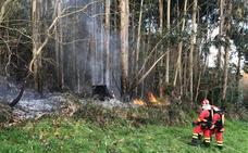 La UME concentra sus esfuerzos en los incendios de Salas, Cangas de Onís y Llanes
