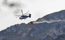 Incendios en Asturias: el viento complica la extinción de los incendios que aún quedan activos en Asturias
