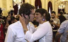 Teresa Rodríguez da a luz a su primera hija, Aurora