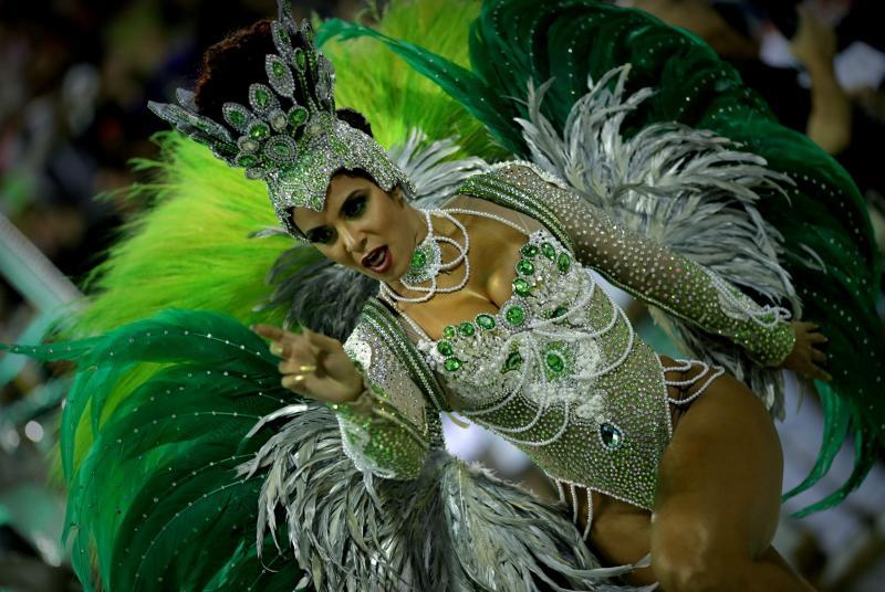 La magia y la sensualidad del Carnaval desbordan Río