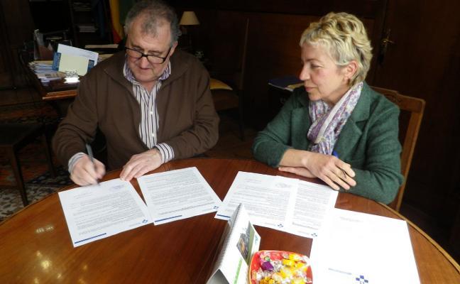 Valdés firma el convenio para crear la Escuela Municipal de Salud