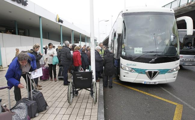 El declive de la rampa de Pajares impide el paso de cuatro trenes y 250 pasajeros cada semana