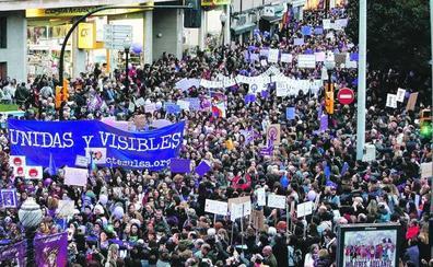La movilización feminista inunda Asturias