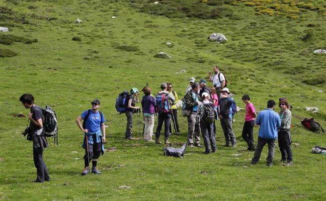 Los montañeros piden el acceso libre a Picos por encima de los 1.800 metros