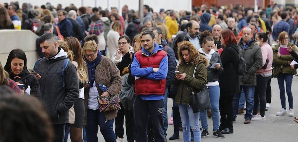 La mayor oposición de la historia en Asturias congrega a más de 15.000 personas