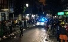 La Policía Local disuelve el botellón en Oviedo durante la noche de Carnaval