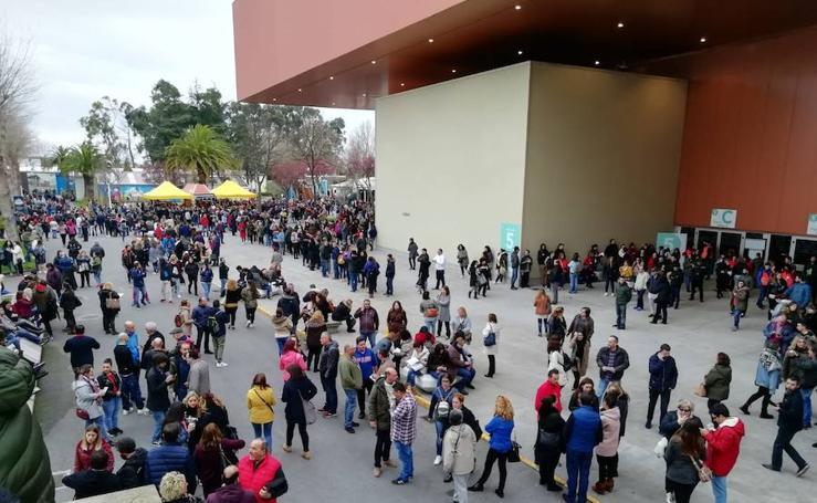 Las imágenes de la oposición a celadores en Asturias