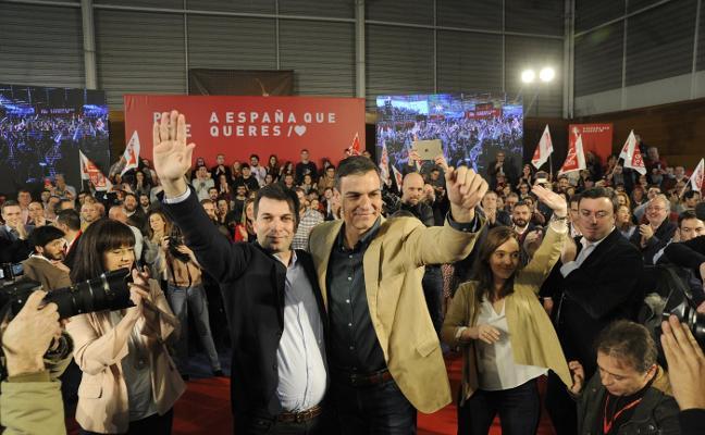 Sánchez ve garantizado el futuro de las plantas de Alcoa ante las protestas de los trabajadores