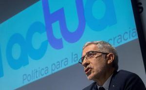 Gaspar Llamazares lamenta que IU opte por su «definitiva disolución» en Podemos