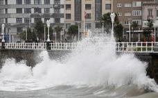 Asturias, en riesgo por nevadas y fuerte oleaje
