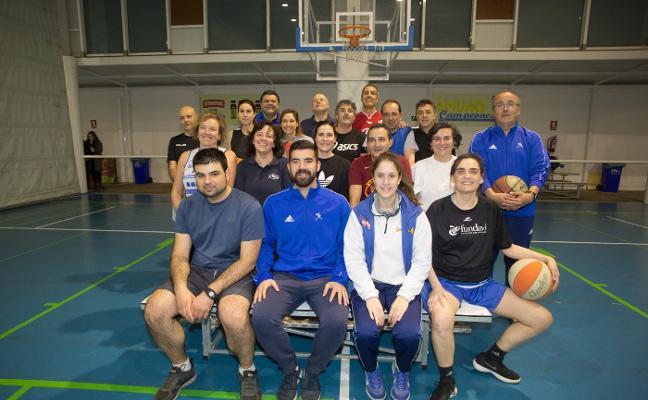 La escuela de baloncesto de adultos, en el San Fernando