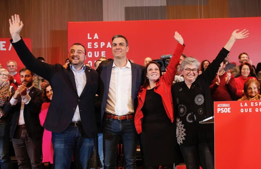 Pedro Sánchez arropa a los candidatos socialistas de Asturias