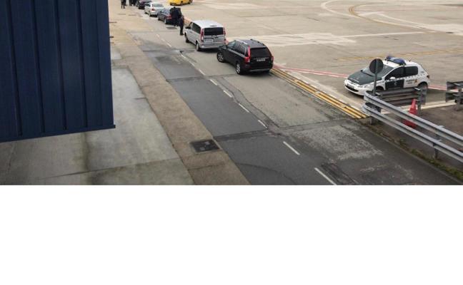 Despliegue de seguridad en el aeropuerto de Asturias