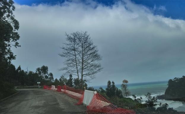 Abre al tráfico de forma provisional la carretera a playa España
