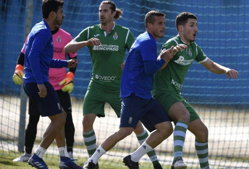 Entrenamiento con amistoso del Real Oviedo