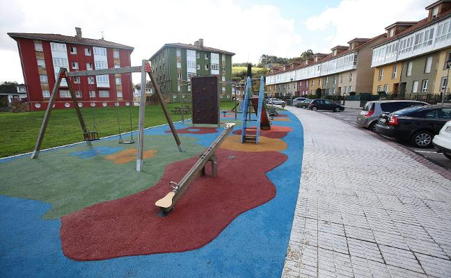 El plan de mejora de parques infantiles incluye la creación de dos en Favila y El Pedrero