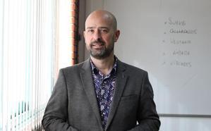 Ritxar Bacete: «Tenemos a las 'manadas' del siglo XXI en las escuelas»