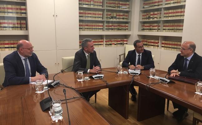 Fomento y Principado se comprometen a firmar el convenio del plan de vías de Gijón en un mes