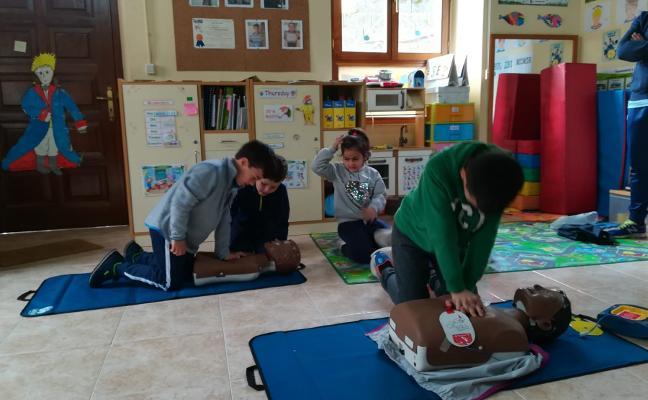 Los alumnos de Illano se forman en primeros auxilios