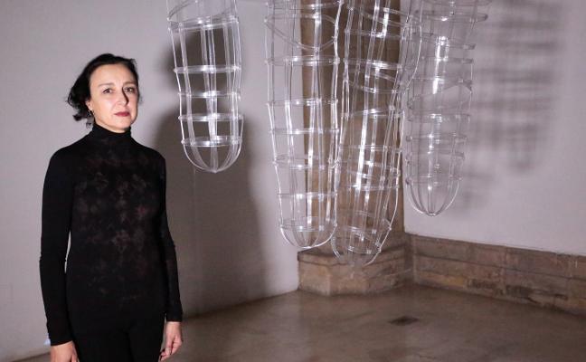 'Manos de bruja', la instalación de Ana DMatos, encuentra su lugar en el Barjola
