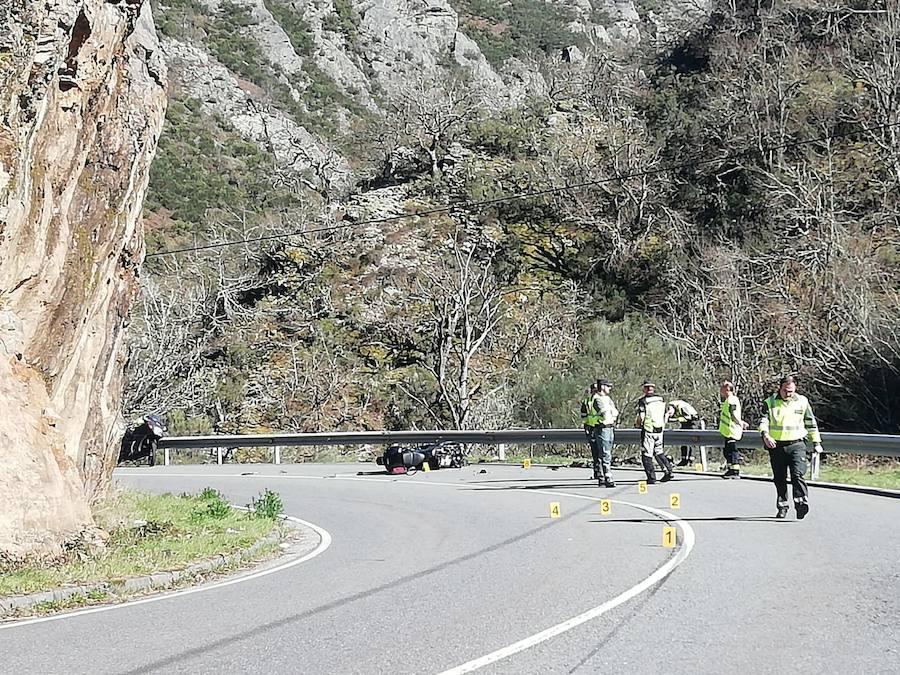 Fallece un motorista en un accidente en Cangas del Narcea