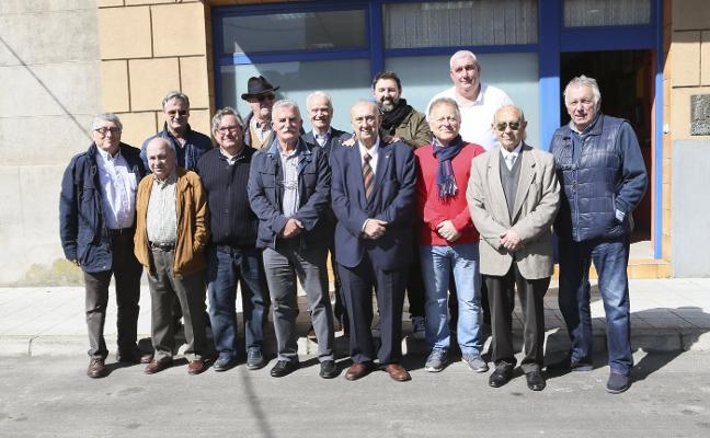 El homenaje a Luis José de Ávila congrega en Noreña a sus amigos