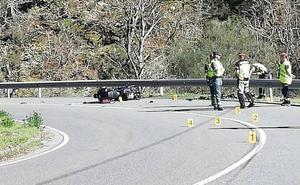 Fallece un motorista de 44 años en un accidente en Cangas del Narcea
