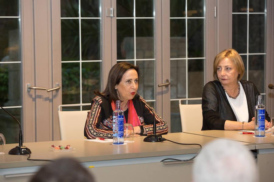 Margarita Robles elogia la modernidad y servicio de la Armada