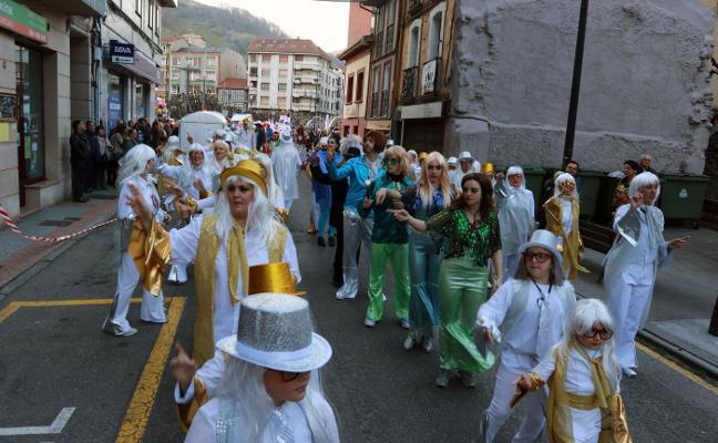Lena despide el carnaval de la Montaña Central