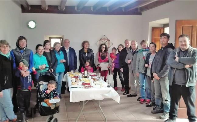 Los vecinos de Beloncio comienzan a gestionar su nuevo centro social