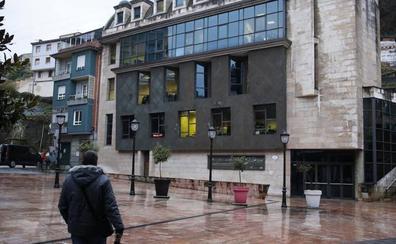El vídeo «muy heavy» que advierte del riesgo de cierre del Conservatorio del Nalón