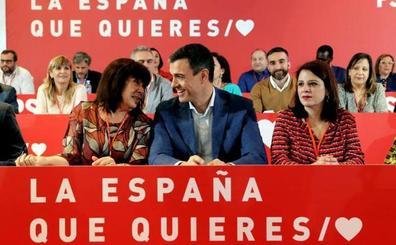 Sánchez impone su ley en las listas electorales del PSOE y Díaz «toma nota»