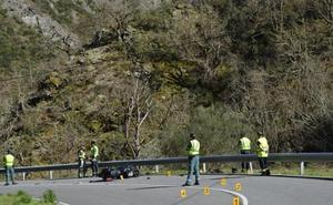Merás despedirá hoy al motorista fallecido el sábado en un accidente en Cangas del Narcea