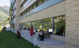 Los 17 concejales de Aller investigados por el geriátrico de Felechosa designaron al mismo abogado
