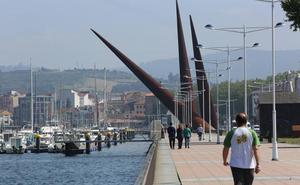 El puerto homenajeará a Manuel Ponga dando su nombre al paseo de la ría