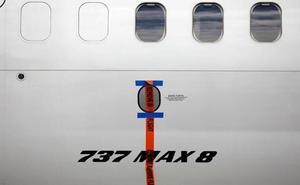 Los pilotos del Boeing de Indonesia buscaban ayuda en el manual antes de estrellarse