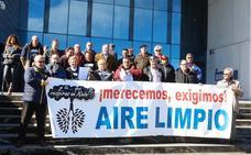 La plataforma contra la contaminación de Gijón denuncia al Principado: «Nadie se está preocupando de nuestra salud»