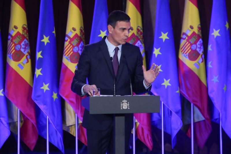 El PSOE lanza una 'fact check' para desmentir los «bulos» del PP y Ciudadanos