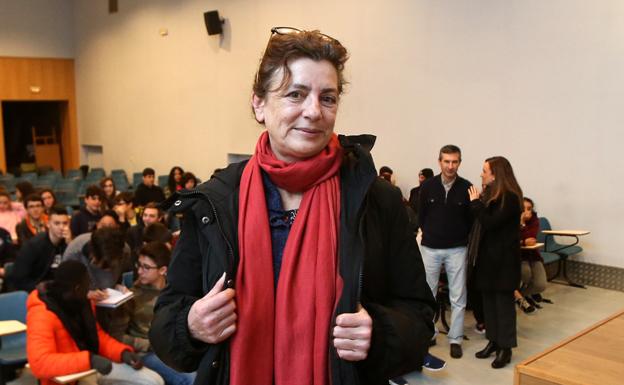 Encuentro esta tarde con la escritora Ángeles Caso en Sotrondio