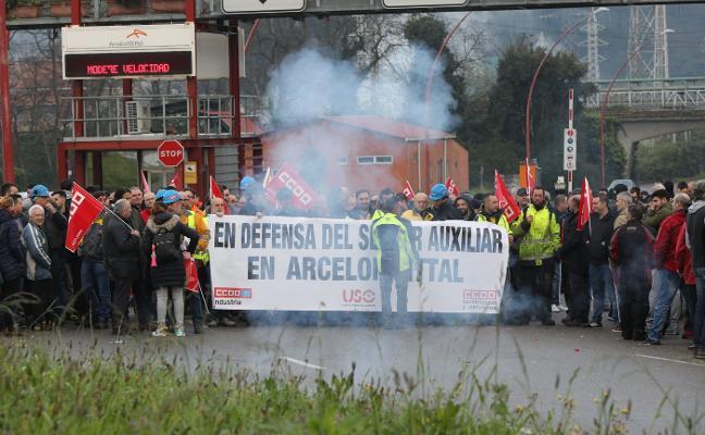 Arcelor se resiente por el masivo seguimiento en los paros de auxiliares