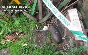 La Guardia Civil recupera y destruye la cabeza de un obús en Grado