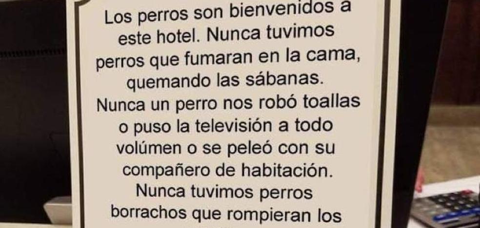 El irónico cartel de un hotel asturiano a favor de las mascotas: «Nunca un perro nos robó toallas»