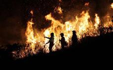Piden cinco años de cárcel para los acusados de provocar un incendio en Parres en el que falleció un piloto